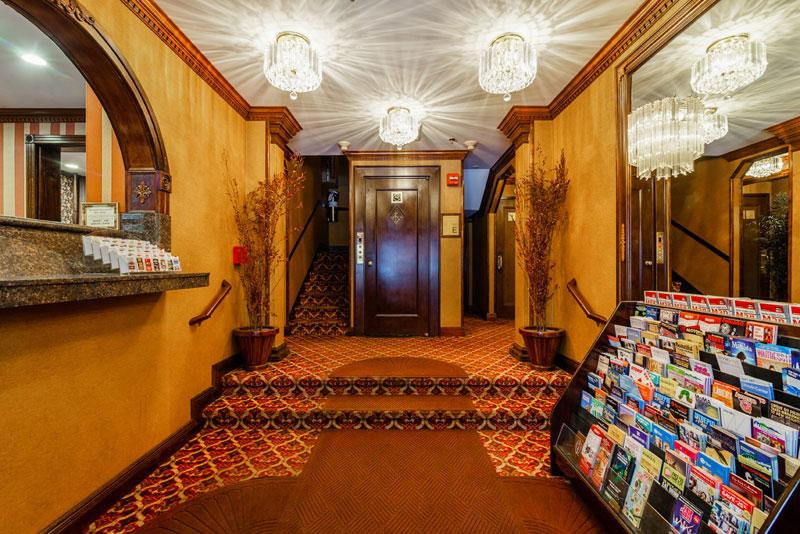 Hotel 31 Lobby