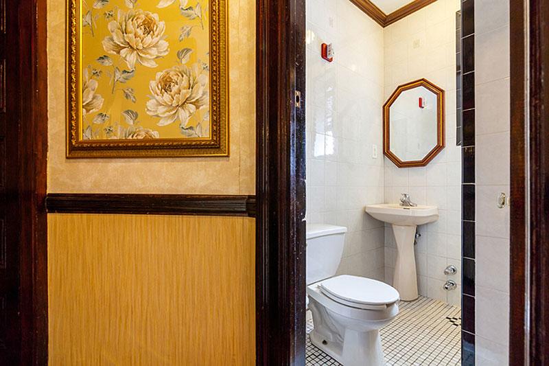 Standard Single Shared Bathroom